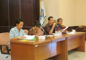KPU, Panwaslu dan Kantor Kesbangpol mengadakan rapat kordinasi mengenai persiapan pemilu kepada para lurah dan camat se-Kota Depok, yang berlangsung di lantai 1 Balaikota Depok pada Jum'at (7/2/).