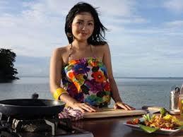 wanita memasak1