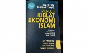 gres-luncurkan-buku-dua-dekade-ekonomi-syariah-_140404104553-874