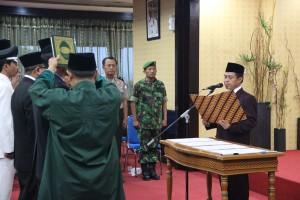 Wali Kota Depok Nur Mahmudi Ismaíl melantik Pejabat Eselon III dan IV Pegawai Negeri Sipil di lingkungan Pemerintah Kota (Pemkot) Depok